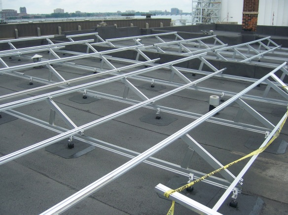 Elevated A-Frame-System on a flat roof